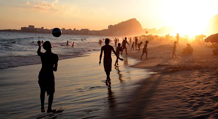 An der Copacabana.... (F: Pixabay Pauloduarte)