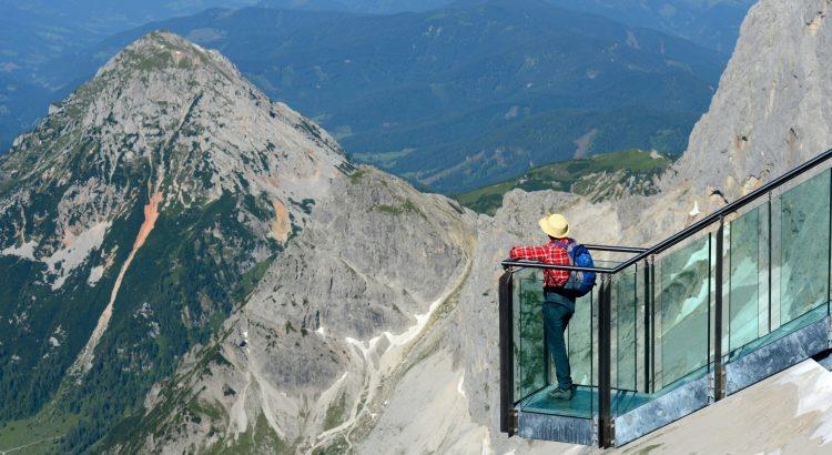 Sommercard Schladming Reisekompass: Treppe ins Nichts auf dem Dachstein