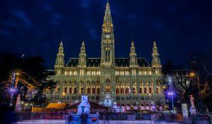Eistraum vor dem Wiener Rathaus Reisekompass Eislaufen in Wien