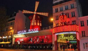 Filmstadt Paris Reisekompass Moulin Rouge