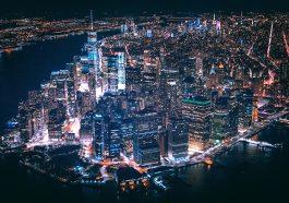 AUA fliegt ab 1. Juli wieder nach New York (Foto: Andre Benz via unsplash)