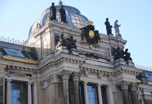 Dresden: Kunst-Hochschule an der Elbe © Reisekompass